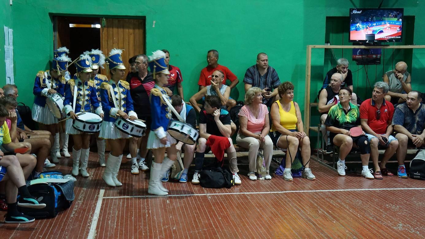 You are currently viewing Поздравление женщин в секции настольного тенниса ТТИ ЮФУ г. Таганрога.